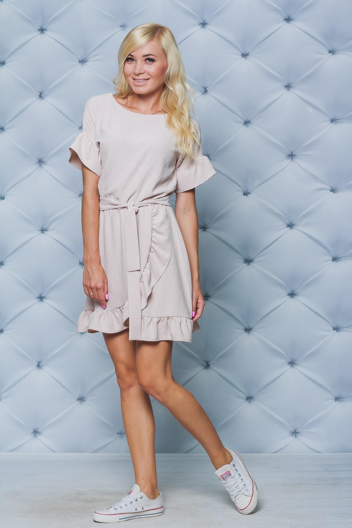 Летнее платье короткое с рюшей беж 02294